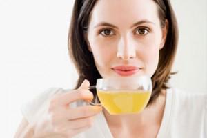 お茶で水分補給