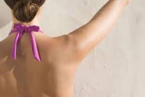 肩甲骨を動かす