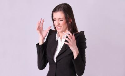 緊張と腹痛を和らげる方法