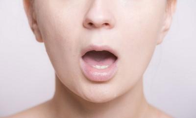 口臭の原因と治し方