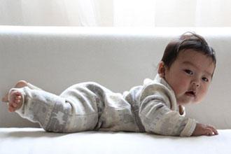 新生児うつ伏せ寝