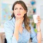 飲み込むときの喉の違和感その原因や病気 治す対処法
