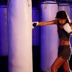 話題の暗闇ボクシングの効果や方法(引き締め効果がすごい!)