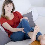 女性に多い下肢静脈瘤の原因・症状・予防法まで