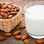アーモンドミルクの美容効果や使う方法をご紹介!