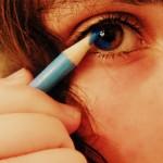 【なんか目がおかしい】カラコンが原因で起こる目の病気