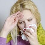つらい鼻水を止め、喉の痛みを和らげる方法