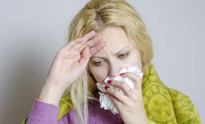 鼻水と喉の痛み