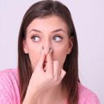 【洗いすぎは逆効果!?】女性の体臭の原因と改善方法