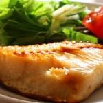 【超簡単】魚をフライパンできれいに焼く方法