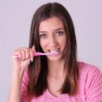 口臭の原因や病気 予防対策について