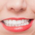 睡眠中の歯ぎしりは体に悪影響?主な原因や改善法