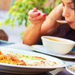 栄養過多?栄養の摂り過ぎによる逆効果な健康被害とは
