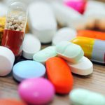 【なぜ安い?】ジェネリック医薬品と新薬の違いや安全性